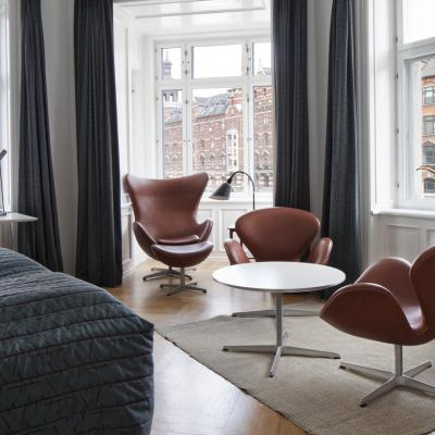 Hotel Alexandra's Arne Jacobsen room in Copenhagen. A truely amazing hotel for any design lover.